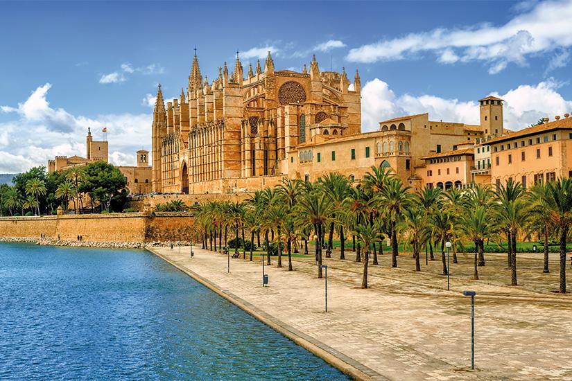 (image) image La Seu la cathedrale medievale gothique de Palma de Majorque Espagne 76 as_189687541