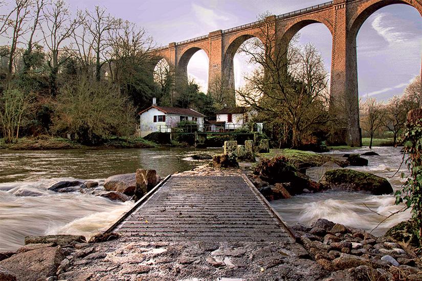(image) image Le pont de Barbin 63 as_165002145