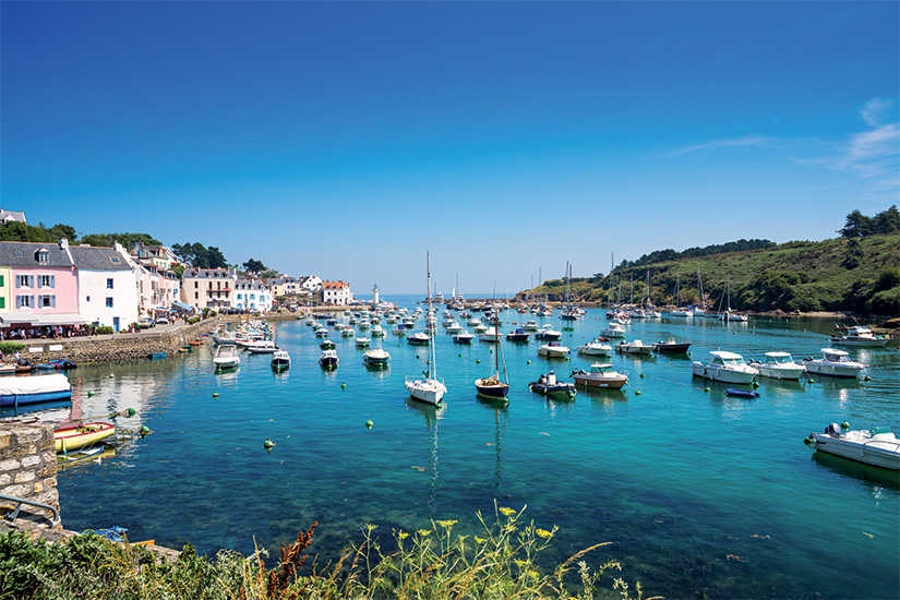(image) image Port de Sauzon sur l ile Belle Ile en Mer France 37 as_55611611