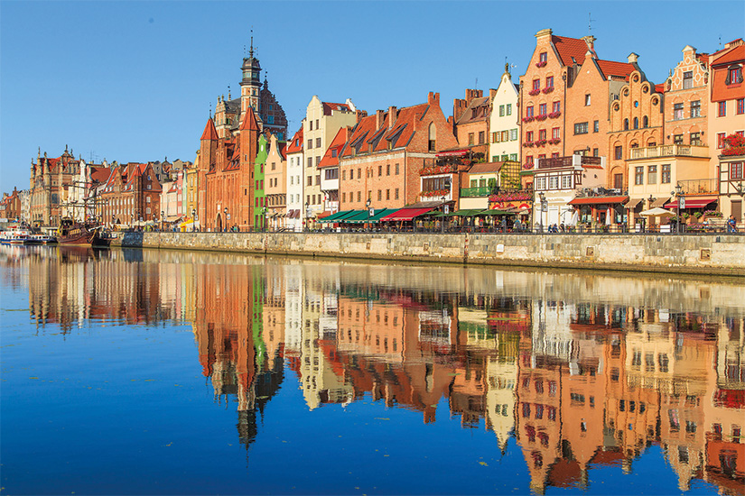 (image) image Port de la riviere Motlawa avec la vieille ville de Gdansk Pologne 46 as_71011807