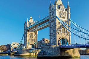 angleterre londres tower bridge  fo