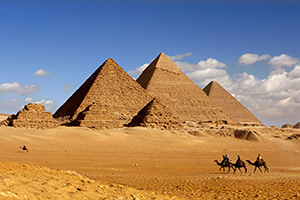 egypte caire pyramids  it
