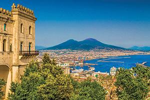 italie campanie scenic vue de carte postale de la ville de naples avec le celebre mont vesueve  fo