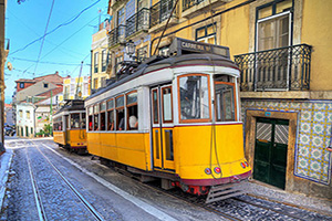 portugal lisbonne tramway  jaunes  it