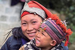 vietnam sapa femme hmong et enfant  it