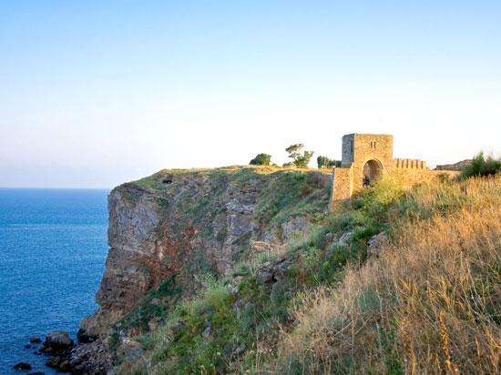 bulgarie cap kaliakra forteresse  istock