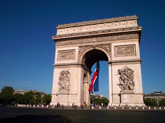 france paris arc de triomphe  istock