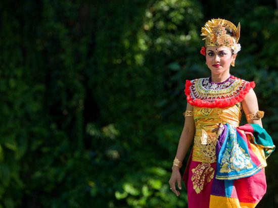indonesie bali danseuse