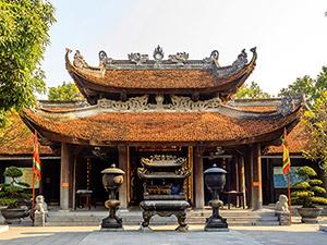 mini vietnam hue tombeau de khal dinh NT  iStock