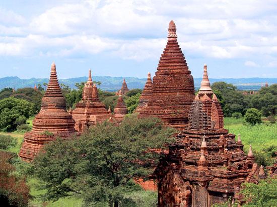 myanmar birmanie temple de baga fotolia